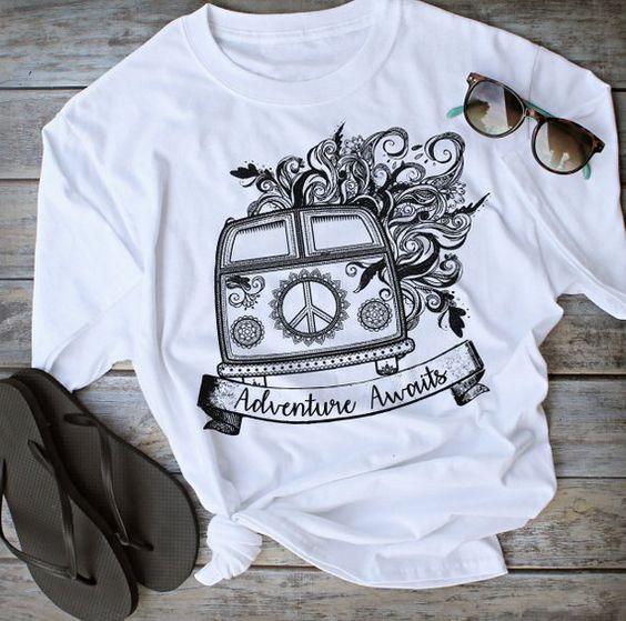 Adventure Awaits Tshirt LE10M0